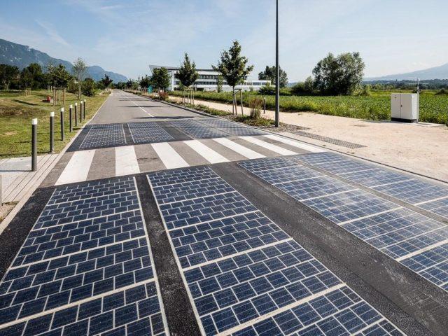 Já pensou viajar por uma estrada solar? Agora você pode