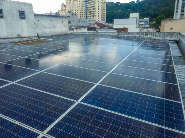 Energia solar em Juiz de Fora: caso Degraus Sistema de Ensino